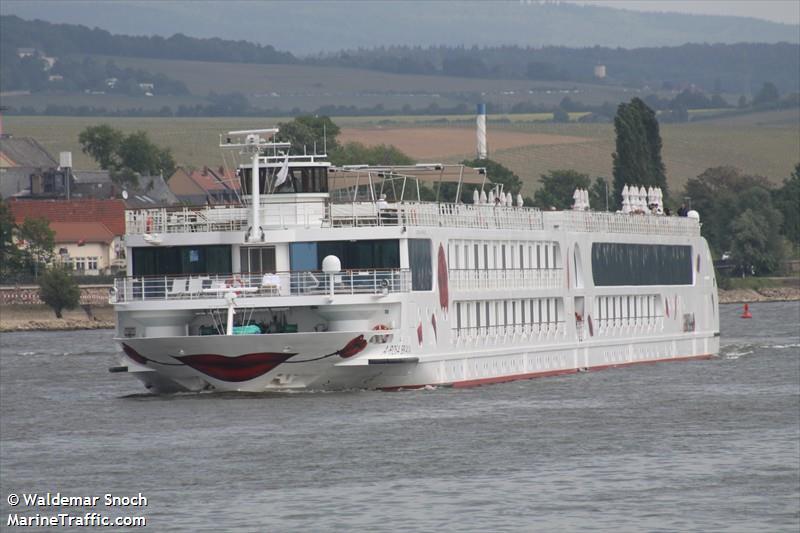 vessel A ROSA BRAVA IMO: 211519930,
