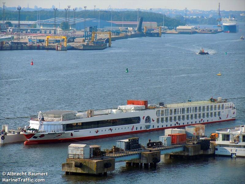 vessel A   ROSA FLORA IMO: 211621310,