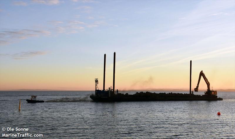 vessel AARSLEFF 103 IMO: 219020533,