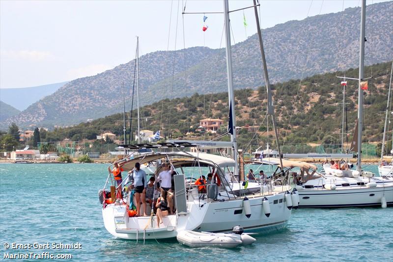 vessel ACHILLES IMO: 239885200,