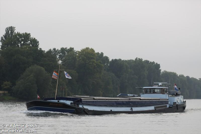 vessel ADMIRATIO IMO: 244660309,