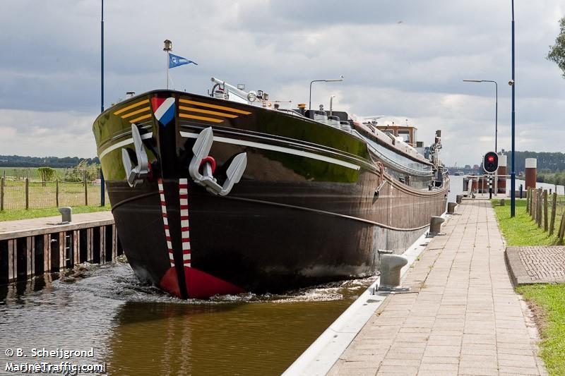 vessel ADVENTUM IMO: 244710271,