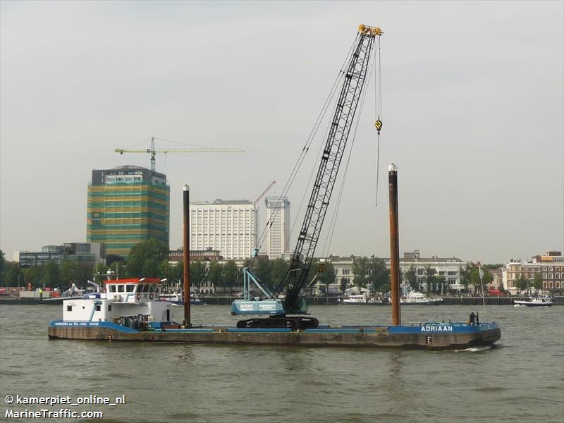 vessel ADRIAAN IMO: 244710444,