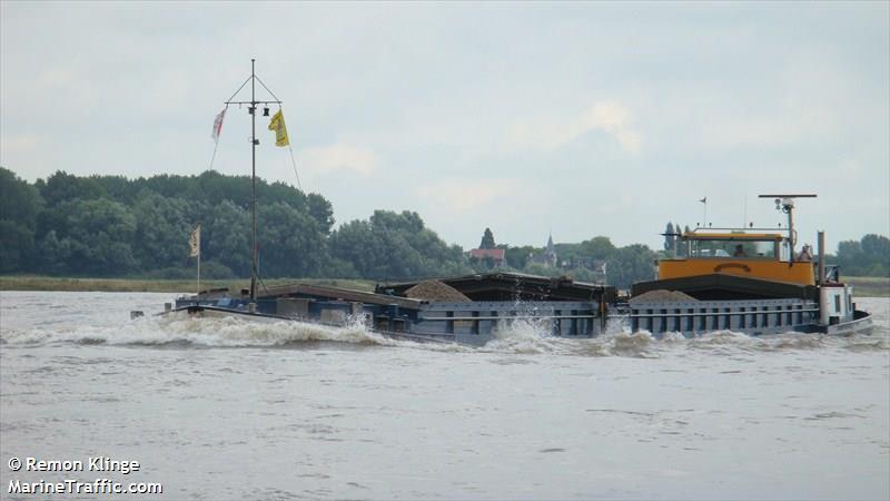 vessel ADRIANA IMO: 244750025,