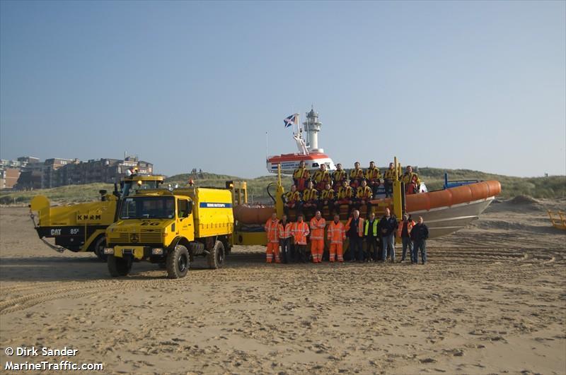 vessel ADRIAAN HENDRIK IMO: 244776000,