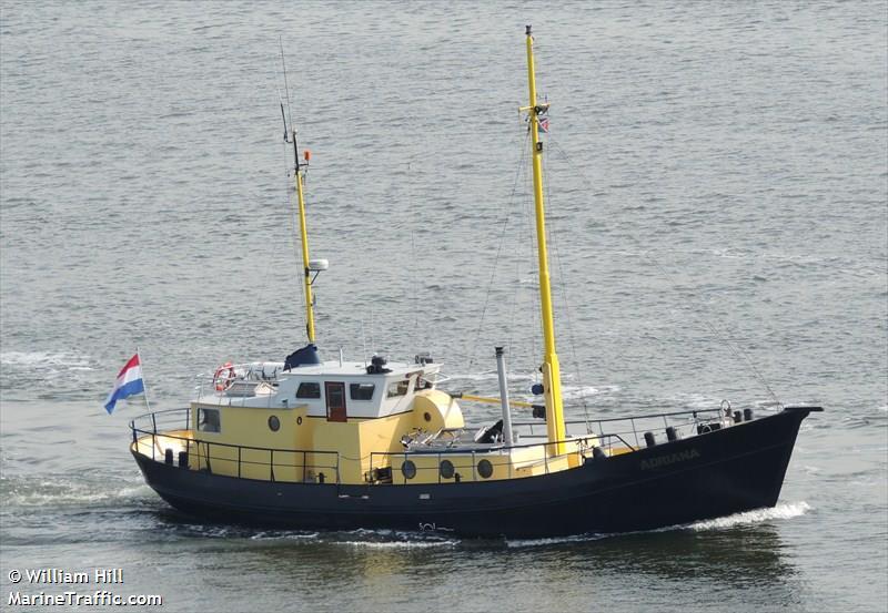 vessel ADRIANA IMO: 244780825,