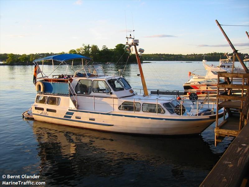 vessel ADELE IMO: 265642490,