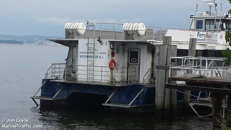 vessel ADM RICHARD E BENNIS IMO: 366902320,